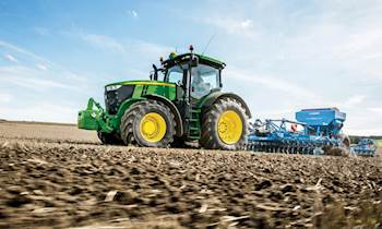John Deere: 7R Series tractors having new features introduced recently