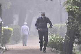 Delhi Govt's Action Plan to control pollution comes into effect