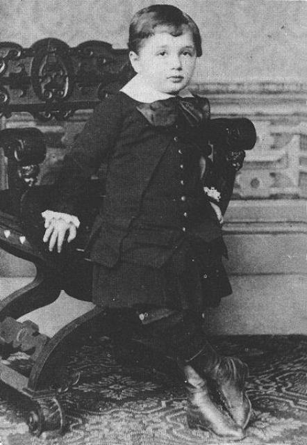 albert einstein childhood