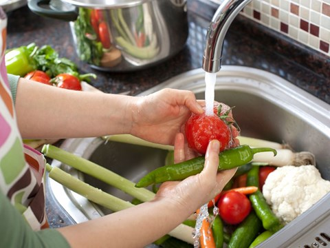 Covid-19 Myth: Washing Fruits & Vegetables with Soap is Safe; Read USDA, Other Experts Opinion