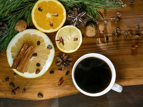 Is Consuming Coffee & Lemon Together Beneficial? Explore 3 Most Common Claims about the Mix